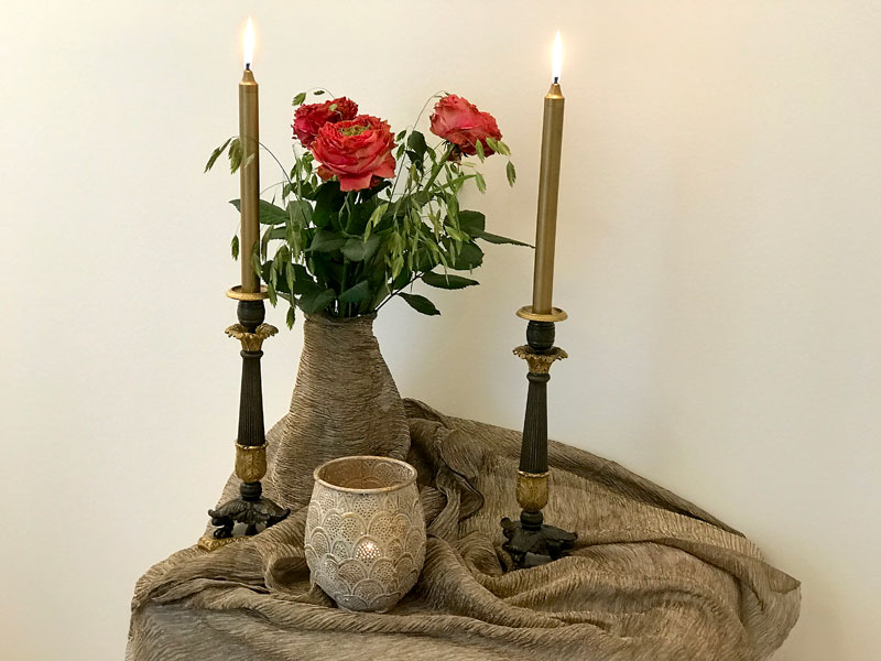 red roses, candles