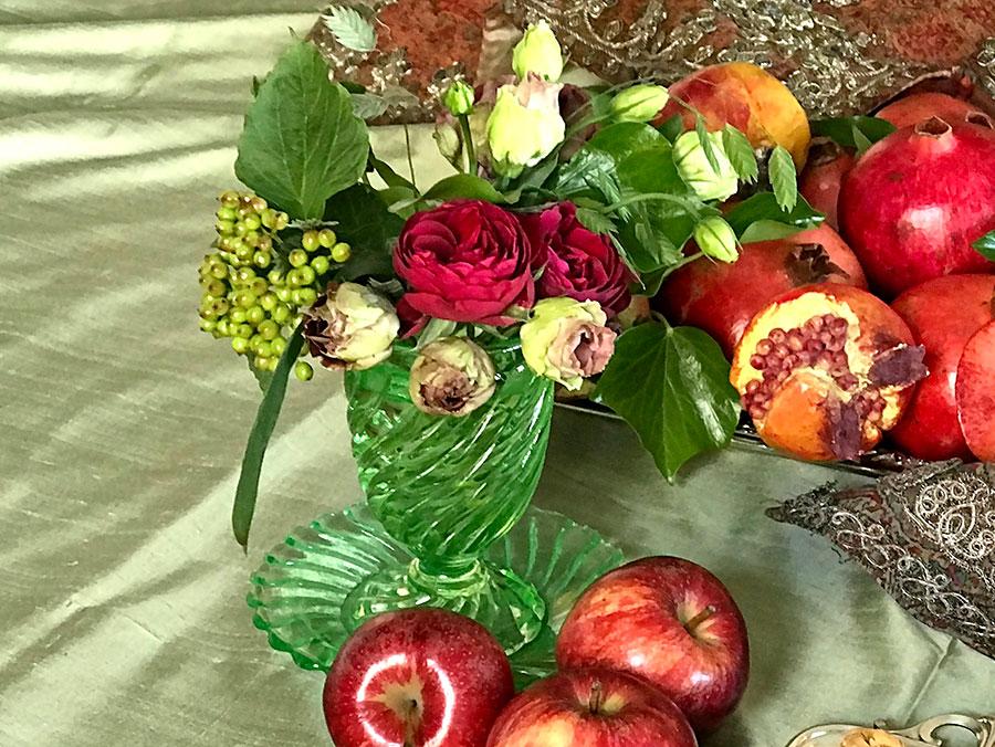 bouquet in deep-red tones