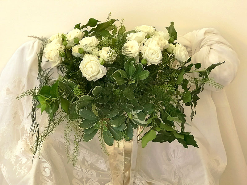 Bridal Flow Roses in Marriage Sofreh